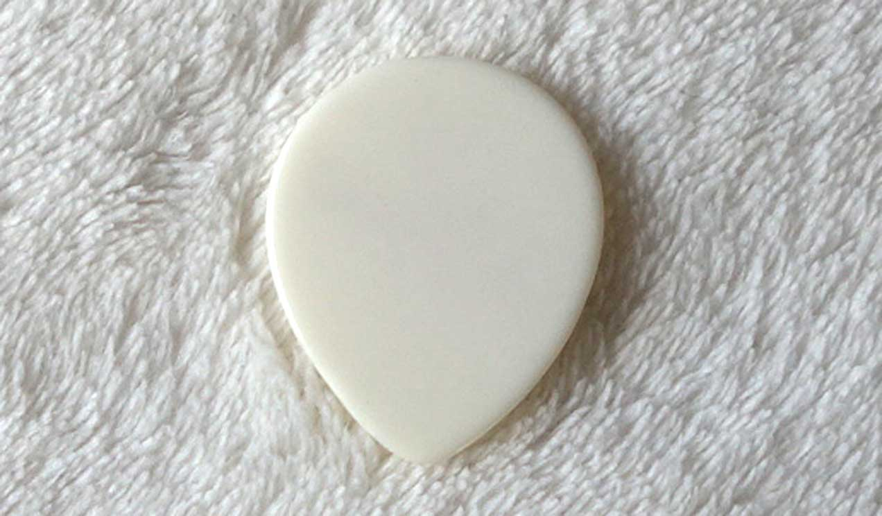 1x Original D'Aquisto Guitar Pick, 1.2 MM, White, NEW OLD STOCK - Jimmy D'Aquisto Gift from 1986