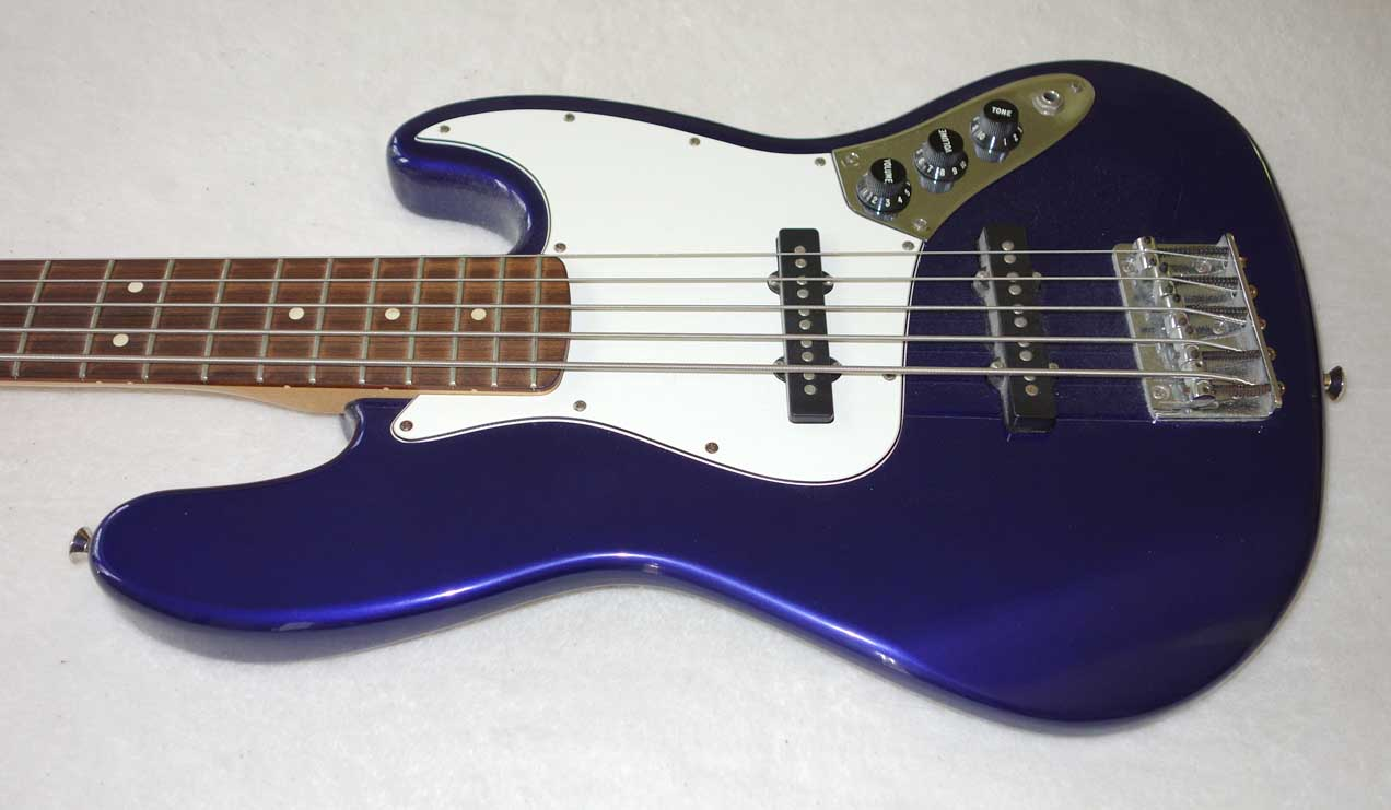 fender 5 string jazz bass blue made in mexico gig bag. Black Bedroom Furniture Sets. Home Design Ideas