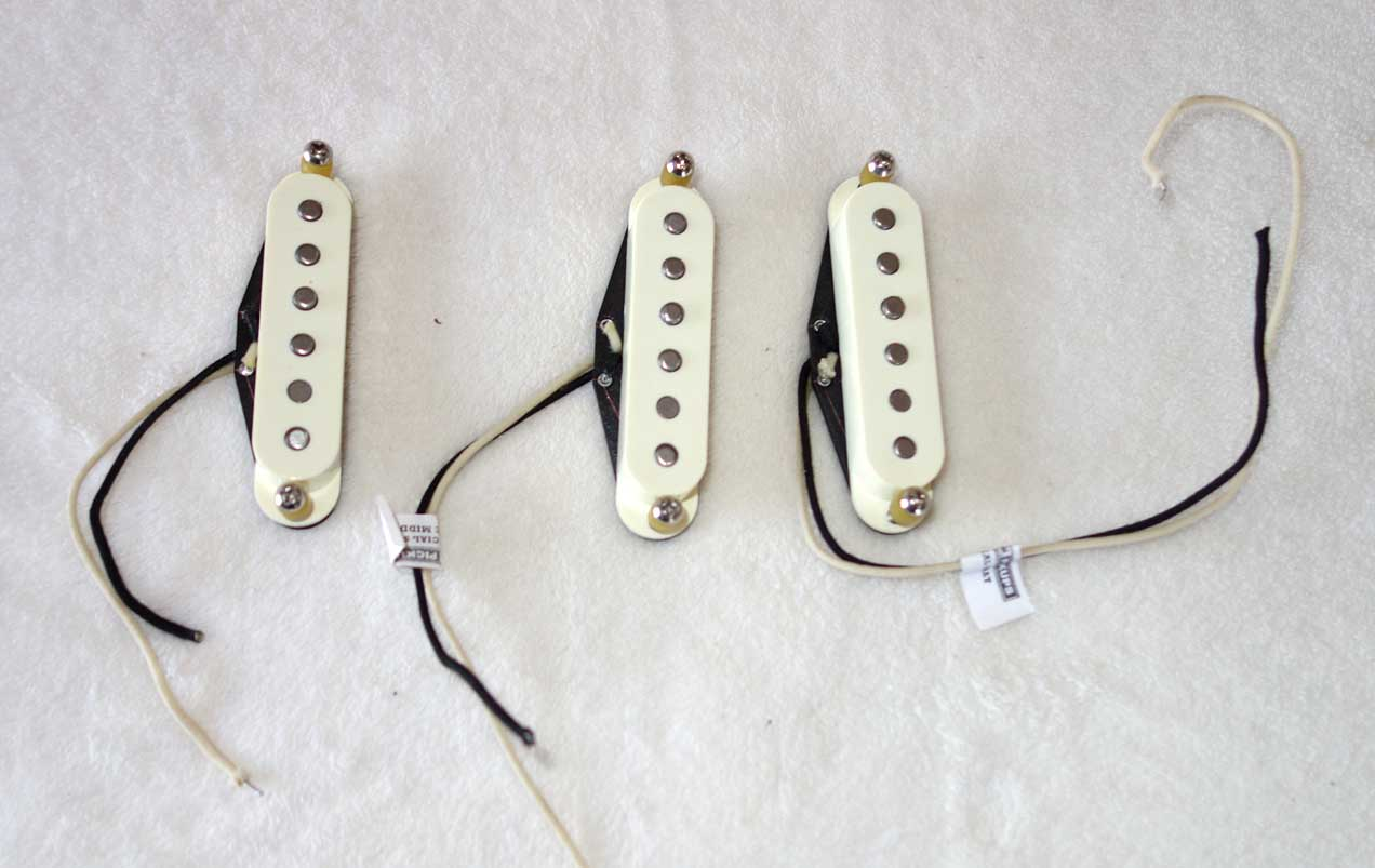 Set of Lindy Fralin Blues Special Strat Pickups, Yellow/Aged White, Excellent Condition
