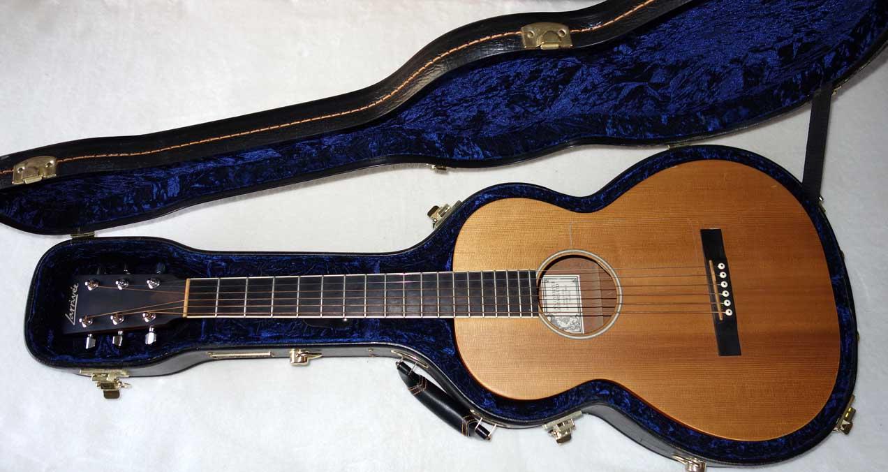 2001 Larivee O-01 / P-01 / P-03 Parlor Guitar w/Hardshell Case (Sitka/Mahogany)
