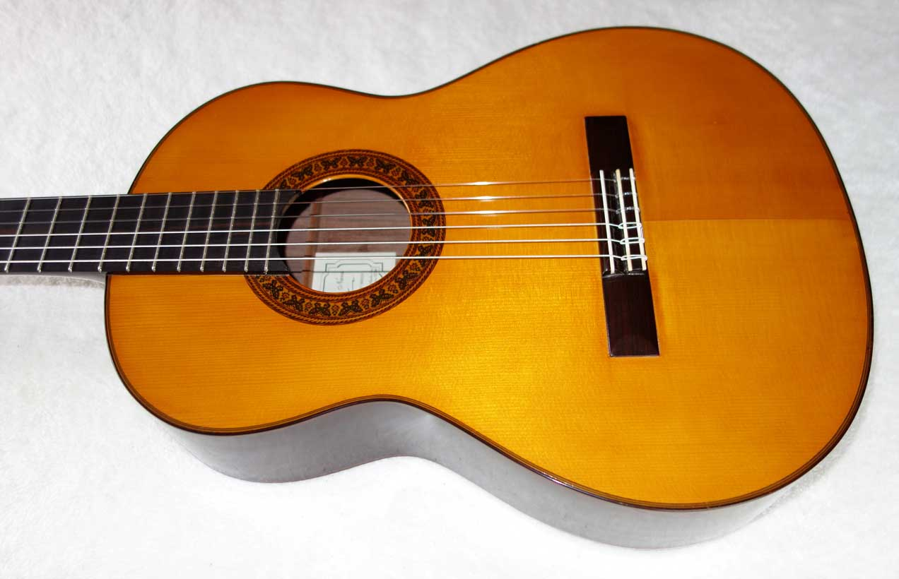 """1995 Lucio Nuñez """"Balbina"""" Classical Guitar w/Case, German Spruce top / Indian Rosewood Back & Sides, French Polish,"""