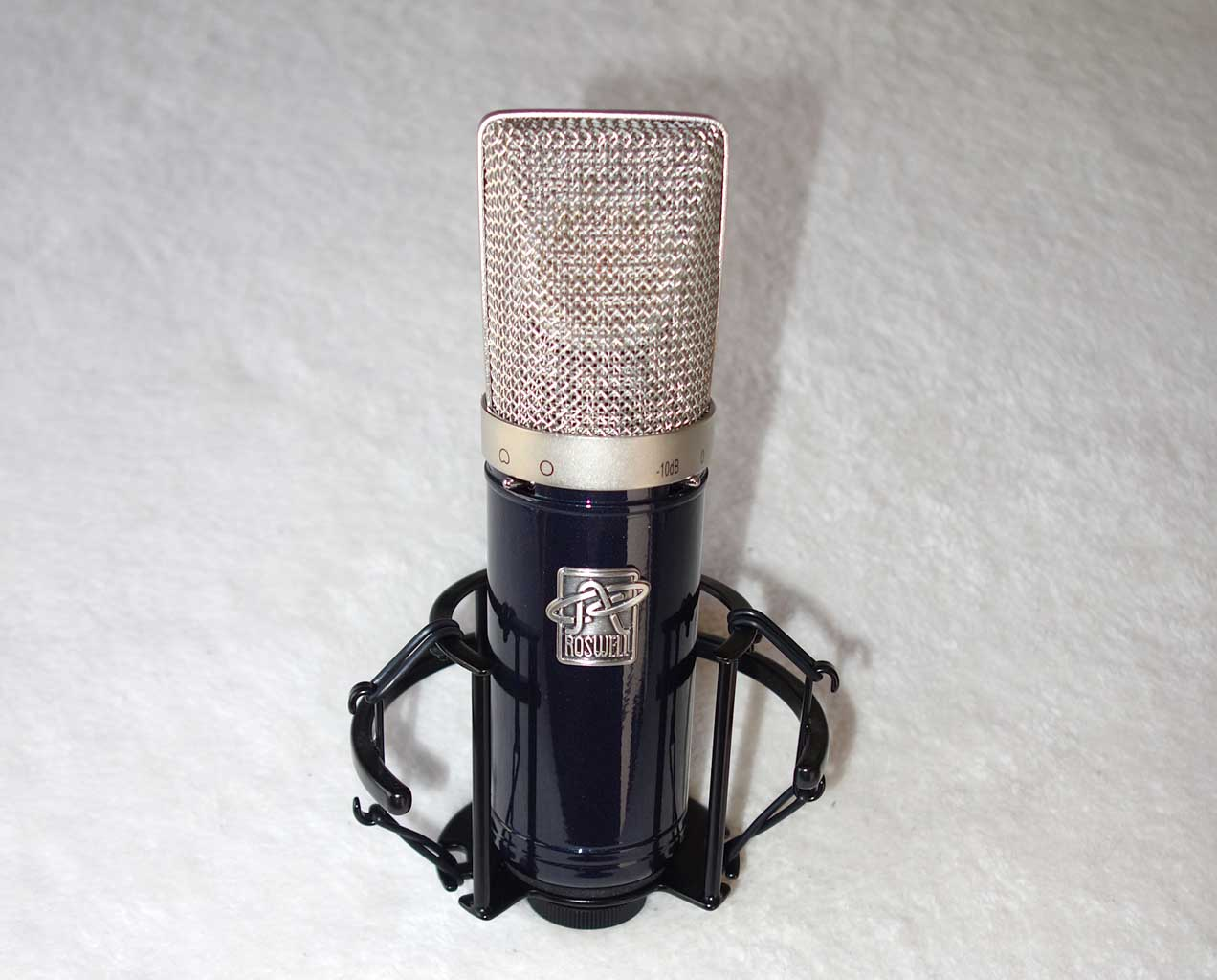 Roswell Pro Audio DELPHOS Condenser Vocal Mic, w/Flight Case, Shock Mount
