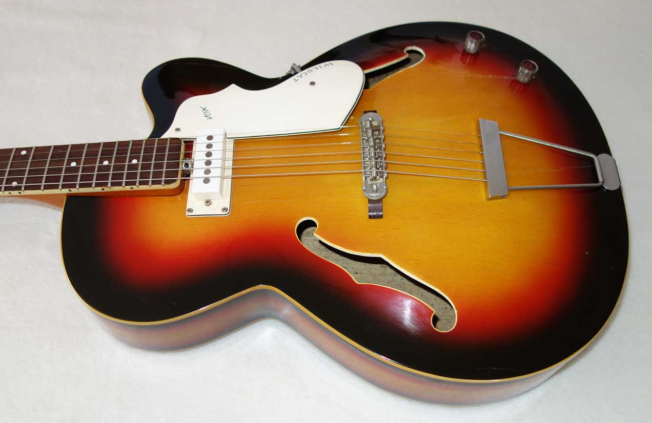 """Vintage 1966-1967 Vox Wildcat V254 Electric 16"""" Hollow-Body Archtop Guitar w/Case"""